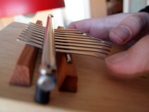 Step-by-Step Guide: How to Tune a Kalimba 22 1